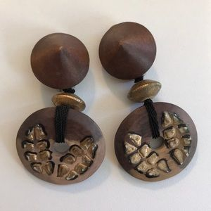 Natural wood clip earrings